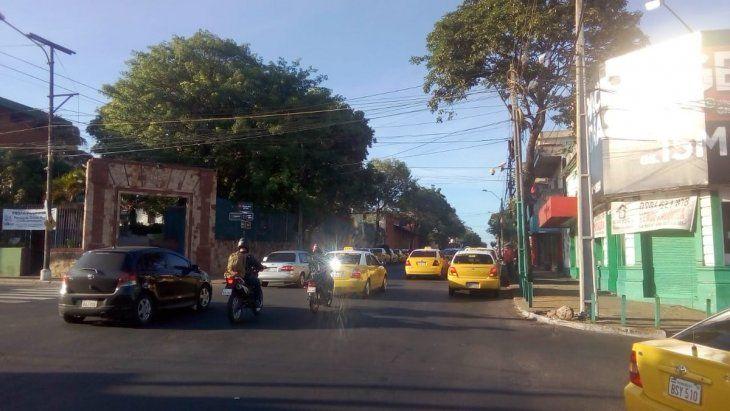 Taxistas ya tomaron las calles de Asunción.