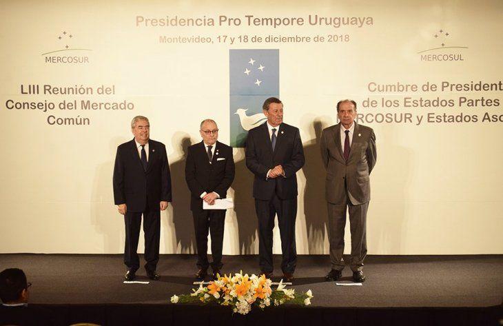 Diplomas paraguayos ahora servirán en todo el Mercosur