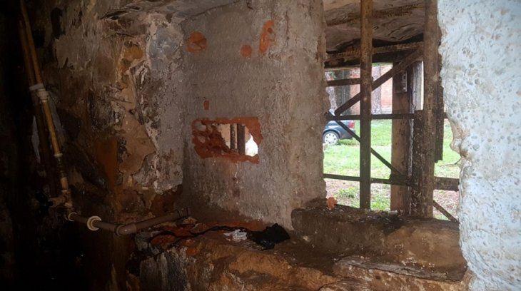 Los reclusos estaban a punto de escapar por el enorme boquete en la pared de la celda (Foto:mdi.gov.py).