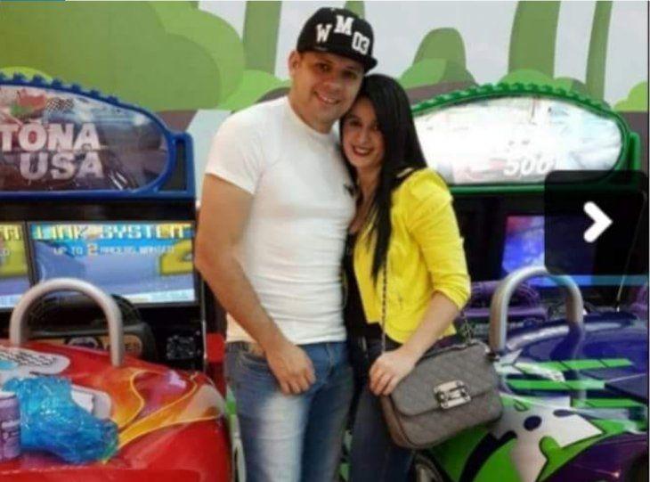 Cucho Cabaña y su esposa Gloria López.