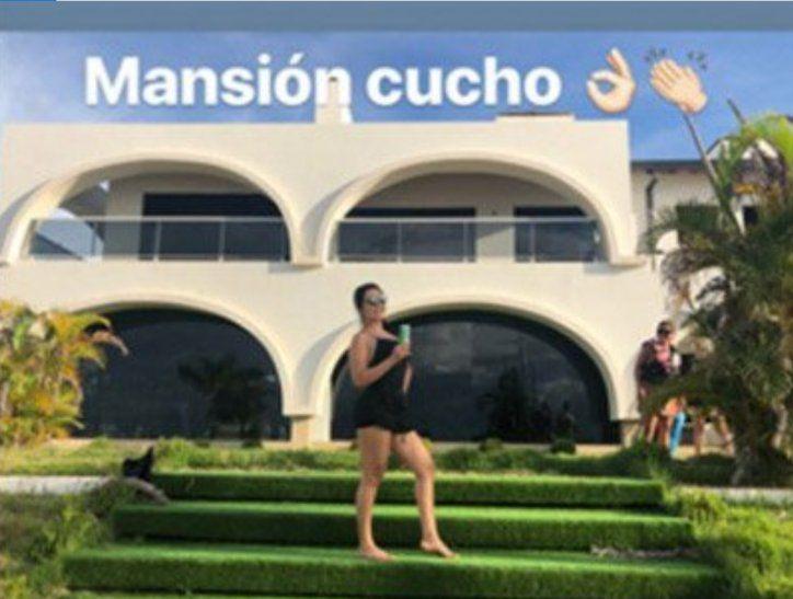 Entraron a turistear en la mansión de Cucho