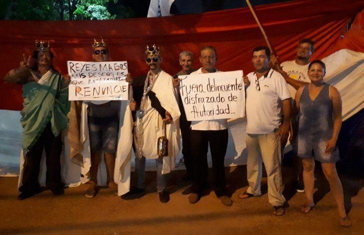 Reyes Magos indignados escrachan a autoridades comunales