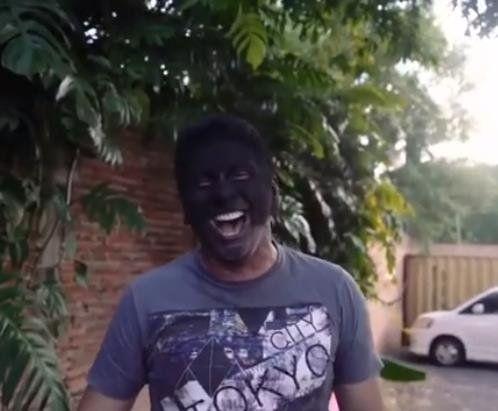 El curioso desafÍo del carbón de Chelo Amaral