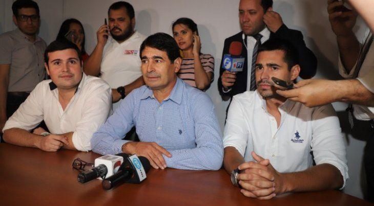 Rolando Chilavert y su hijo en declaraciones.