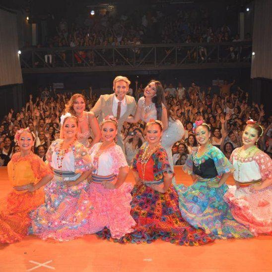 Llenaron el Teatro Latino.