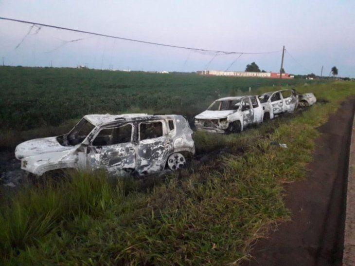 Luego del ataque abandonaron e incineraron los vehículos en que se desplazaban.