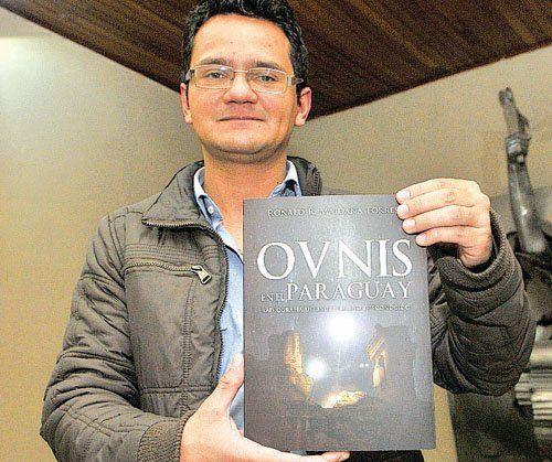 En su libro de 358 páginas Ronald Maindana relata al menos 50 avistamientos en cielo paraguayo