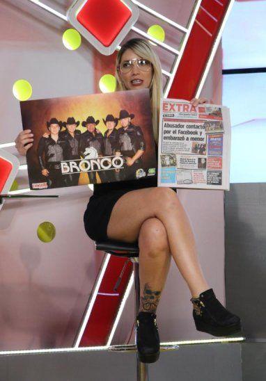 Carmi Masi ya reservó su póster de Bronco y está que se muere por ir al concierto.