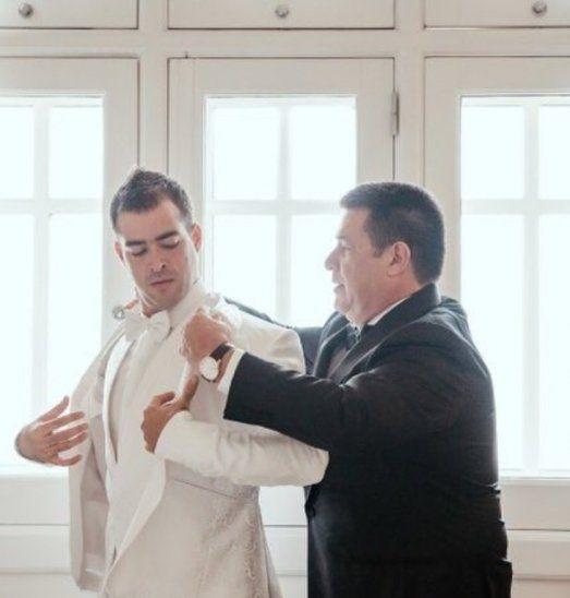 Así Horacio Cartes preparó a su hijo Juan Pablo para su boda.