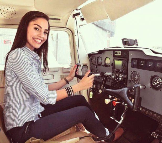Nuestra compatriota es considerada la piloto más sexy del mundo por diferentes medios de prensa.