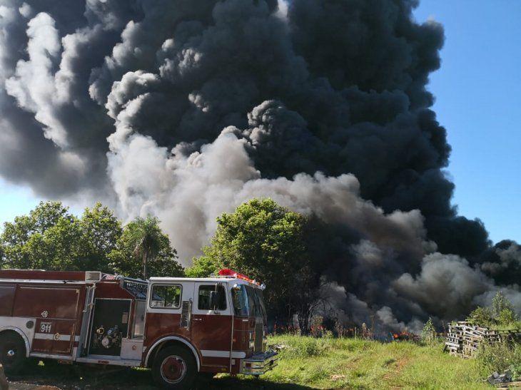 Fuego arrasa con el exvertedero de Minga Guazú