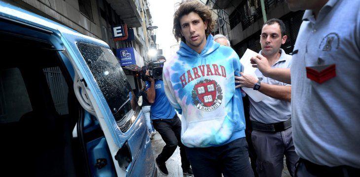 Rodrigo Eguillor fue acusado de abuso sexual por varias mujeres. Es hijo de una reconocida fiscal de la Argentina y es famoso por sus escandalosas declaraciones en contra de las chicas que lo acusaron. Es considerado por la justicia de la Argentina como un interno de alto riesgo por causar disturbios en la prisión.