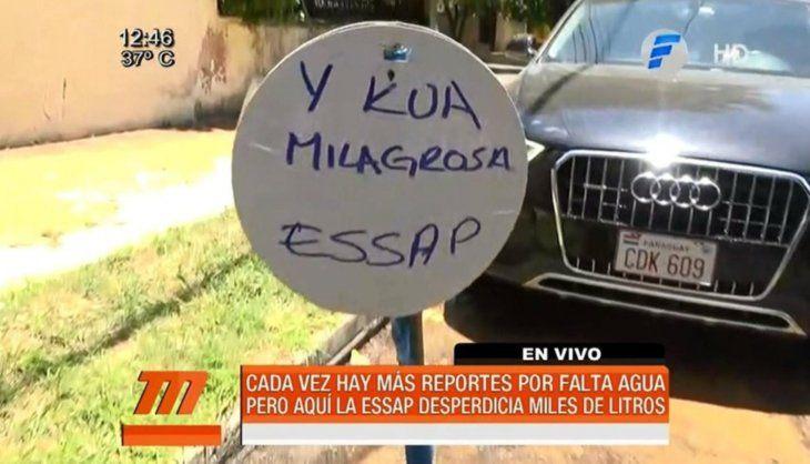 Ycuá milagrosa: vecinos no tienen agua, pero caño roto tira miles de litros