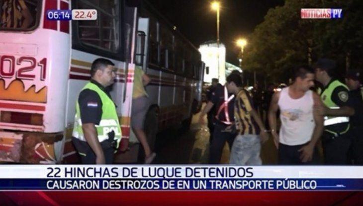 Noche de furia: 22 hinchas de Luqueño acabaron en el calabozo