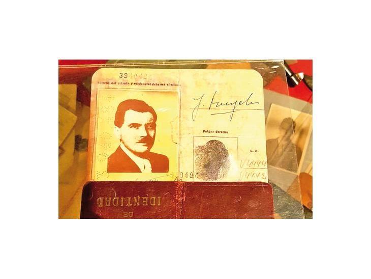 Cédula de identidad argentina de Mengele. Archivo: UH