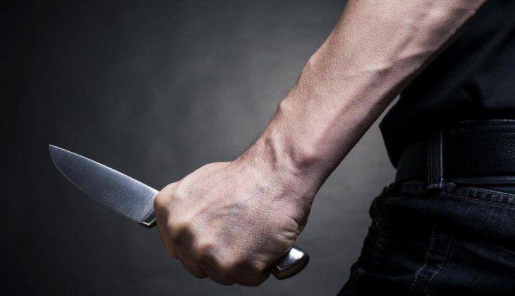 La víctima recibió nueve puñaladas en todo el cuerpo.