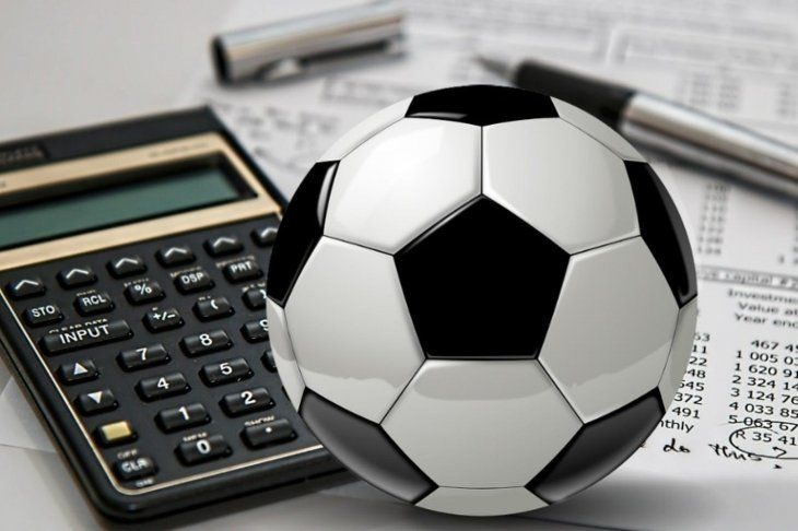 Veinte futbolistas sumariados por evadir impuestos