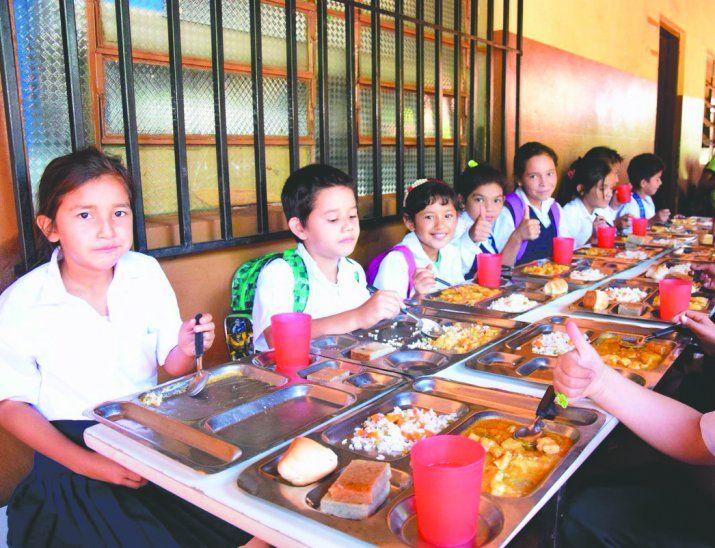 Almuerzo.Los estudiantes de primaria con jornada extendida tendrán almuerzo escolar durante todo el año.