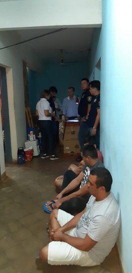 La celda de un exasistente fiscal y un brasilero fueron allanadas en la cárcel de Misiones.