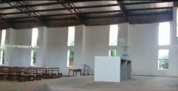 Roban imágenes de Rosa Mística y de Sagrado Corazón de una capilla