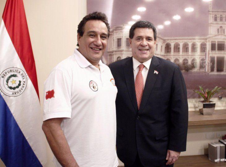 Hugo Javier asegura que la primera parte de su campaña llevó adelante con sus recursos. Pero cuando se le terminó la plata visitó a HC.
