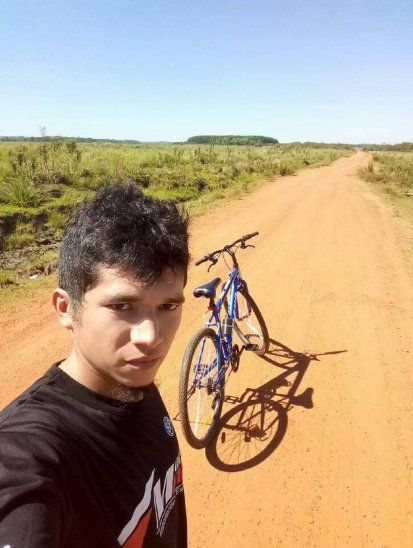Productores paraguayos residentes en Argentina quieren llevar a Jakare para realizar shows. El joven oriundo de San Juan Nepomuceno ya debutó como animador de fiestas en su pueblo