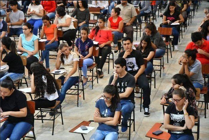 Becas de Itaipú: Excluyen a 55 que no son de escasos recursos