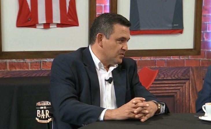Primer entrevistado del barEduardo Petta estuvo compartiendo con los panelistas de Polémica en el Bar en donde habló de todo un poco.
