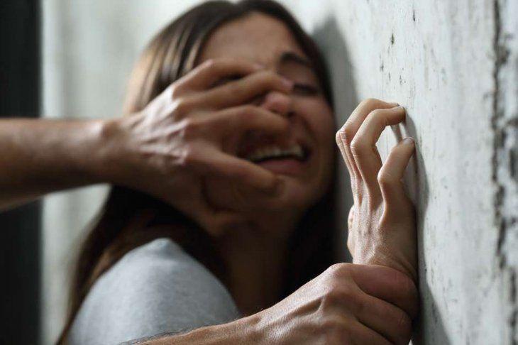 Albañil abusó de una empleada doméstica