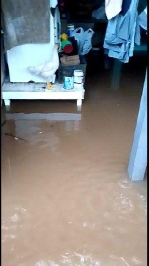 Así quedó el interior de la casa de uno de los afectados