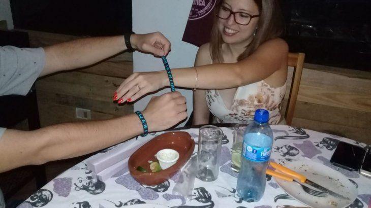 La pulserita que unió el amor.