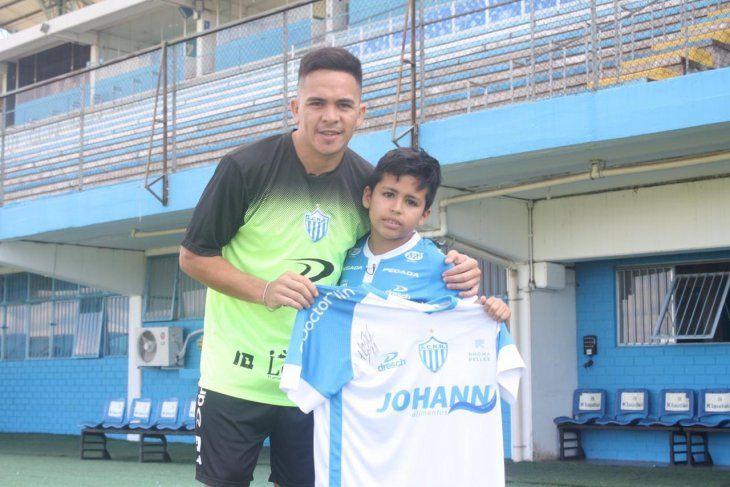 Bautizan a un paraguayo como Messi do Gauchão