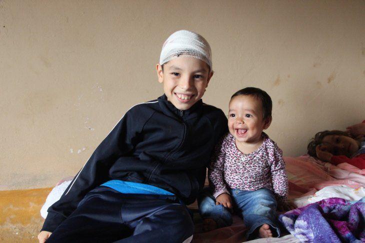 Conmovedor: niño héroe salvó a su hermana de una tragedia