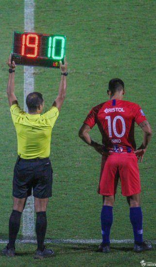 Momento en que Julio Dos Santos regresó oficialmente a Cerro