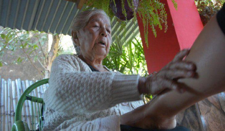 La mano de la mujer era santa aseguran muchos.
