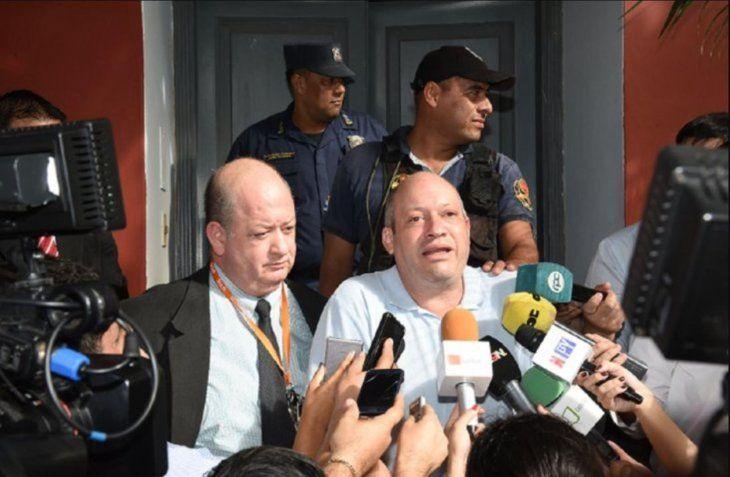 Gerardo Stadecker en compañía de su abogado Federico Campos López Moreira.