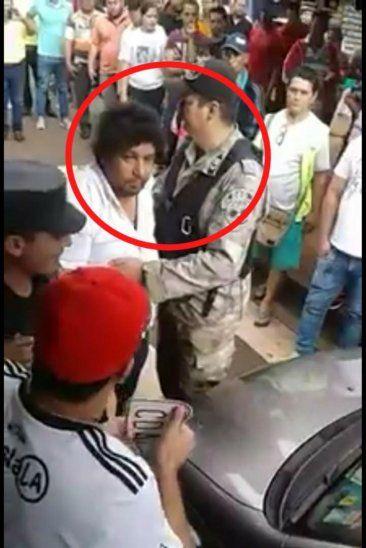 Celso Kelembú Miranda tuvo que ser retirado con escolta de los agentes de la GEO.