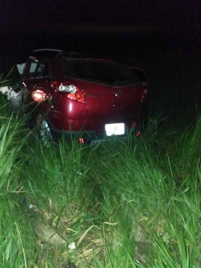 Así quedó el vehículo en el que se desplazaban las víctimas.