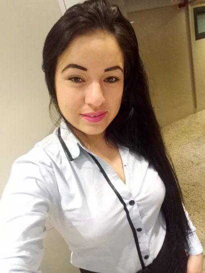 Gloria Andresa Gamarra (25)