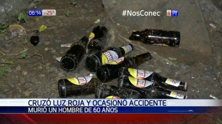 En el coche del boliviano fueron encontradas varias botellitas de cerveza.
