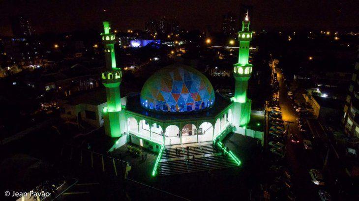 La mezquita de Foz de Yguazú suele tener una iluminación especial durante el Ramadán.