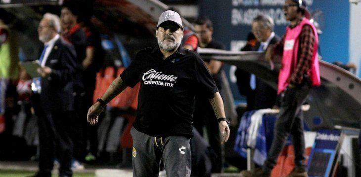 Maradona fue abucheado durante los 90 minutos. Foto: www.olé.com.ar