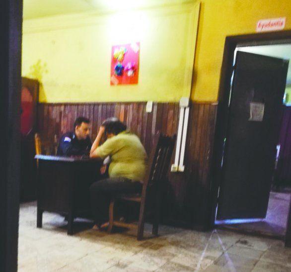 La víctima del robo por parte de travestis radicó la denuncia en la Comisaría 1ra. Central