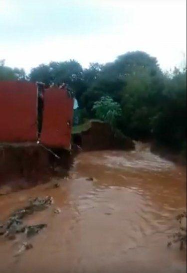 Una casa se derrumbó en San Lorenzo.
