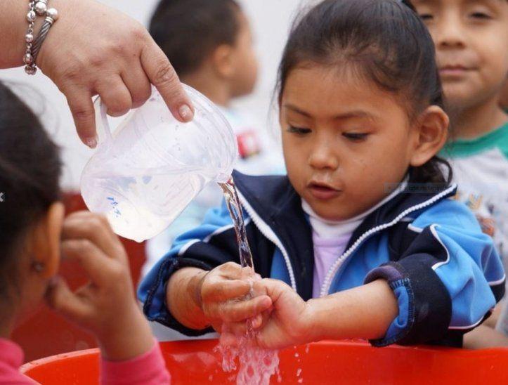 El lavado frecuente de las manos ayuda a protegerse de los gérmenes.