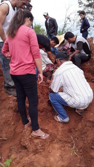 Los familiares y amigos encontraron al joven tras una intensa búsqueda.