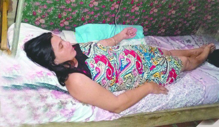 Una enfermera la acogió en su propia casa y la cuidó.