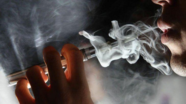 Algunos empiezan a fumar el cigarrillo electrónico