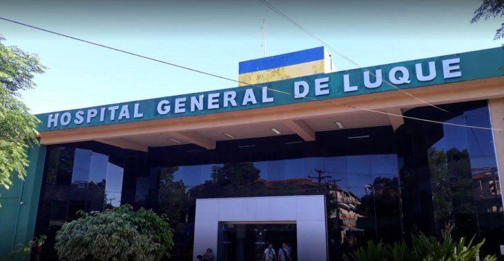 El muchacho fue trasladado al hospital General de Luque donde fue auxiliado.
