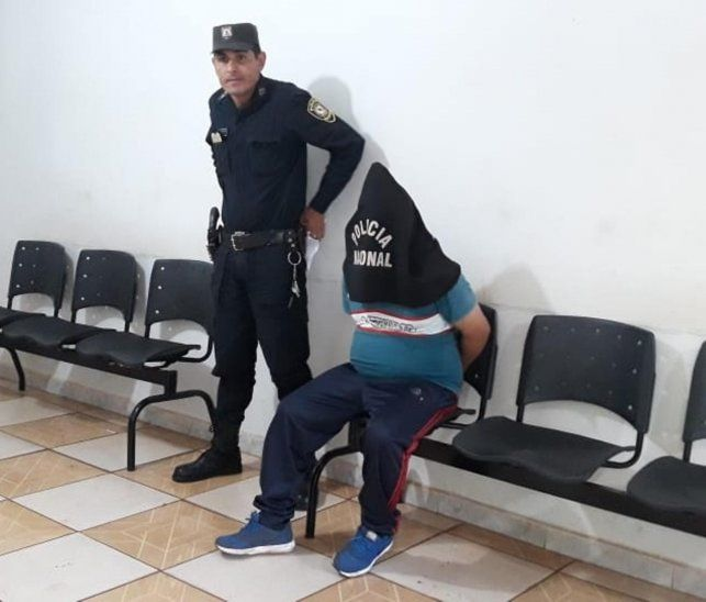 El hombre quedó detenido.